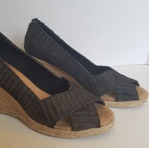 White Mountain Matador Black Peep Toe Espadrille W